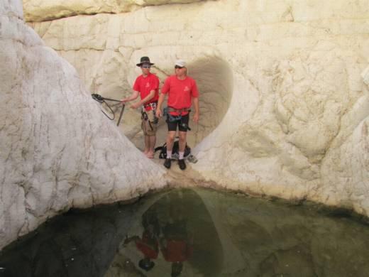 טיולי סנפלינג - קניונים חבויים - נחל רחף