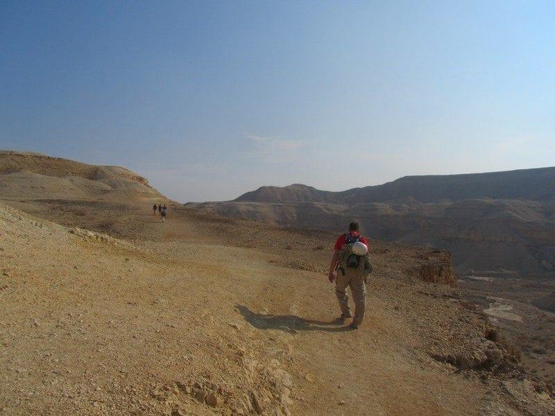 טיולי סנפלינג באזור ים המלח - נחל פרס - עם ערוצים בטבע