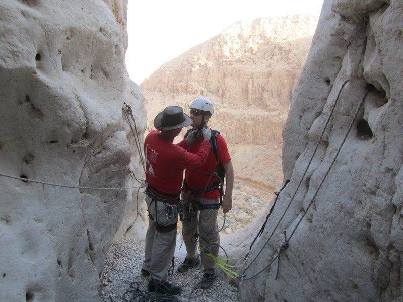 טיול סנפלינג בנחל פרס עם נועם בנק - מדריך בכיר
