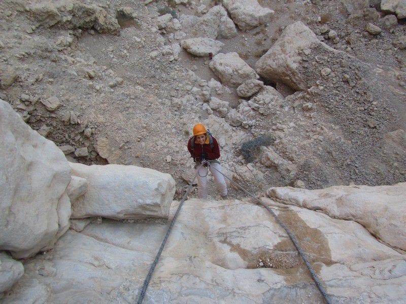 חווית סנפלינג אתגרית בנחל פרס עם banketgarim