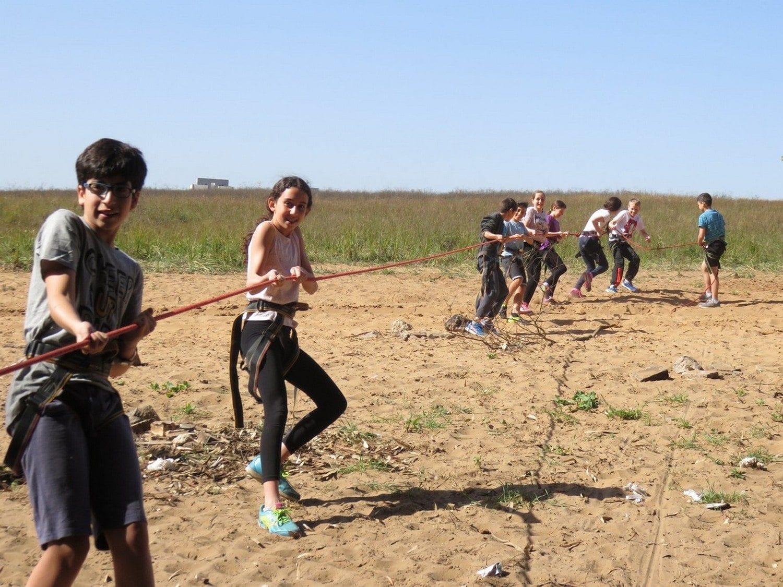 ימי אתגר לכיתות בתי ספר עם ערוצים בטבע