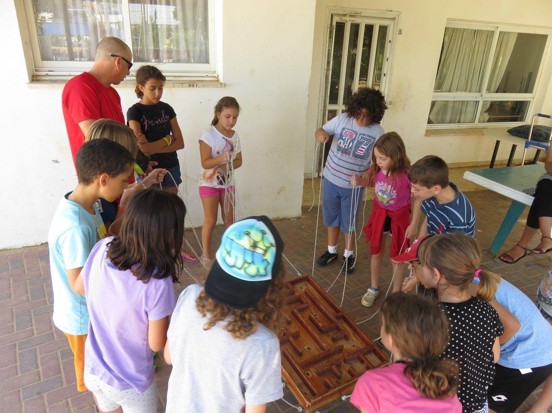 משחק גיבוש לכל הכיתה - המבוך - ערוצים בטבע