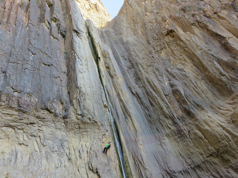 טיול סנפלינג בוואדי פייד שבירדן עם ערוצים בטבע