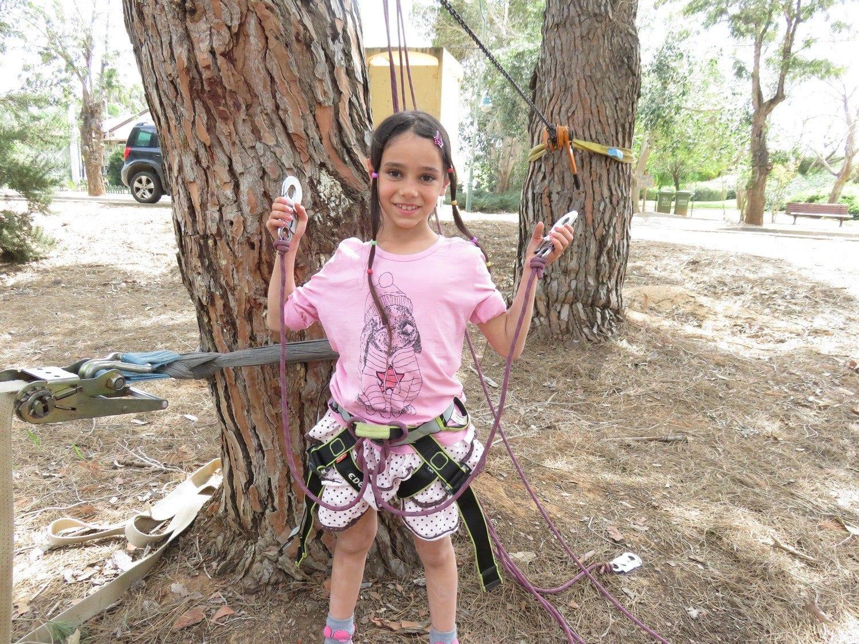 פארק חבלים עם מערכת אבטחה מיוחדת ערוצים בטבע