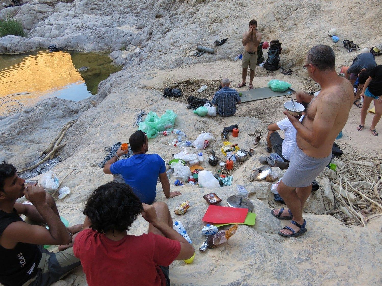 טיול סנפלינג לוואדי פייד בירדן ערוצים בטבע ארוחת בוקר בשטח