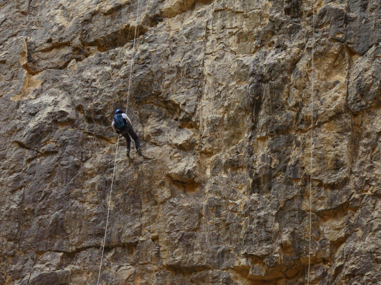 טיול סנפלינג נחל חצצון - המפל הגבוהה בארץ - ערוצים בטבע