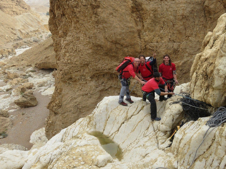 טיול סנפלינג אתגרי בנחל חלמיש עם ערוצים בטבע