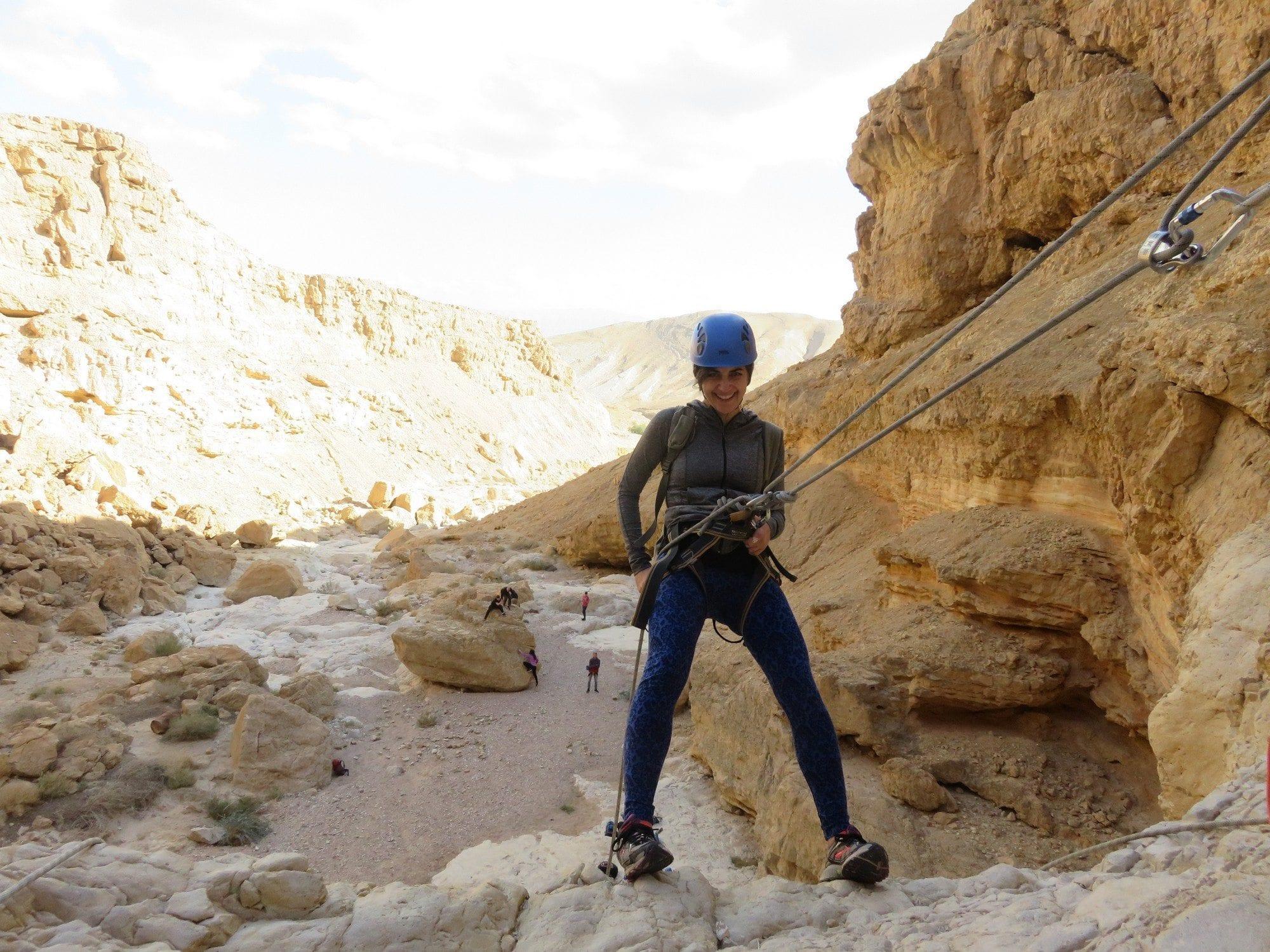 טיול סנפלינג נחל חלמיש במדבר יהודה banketgarim