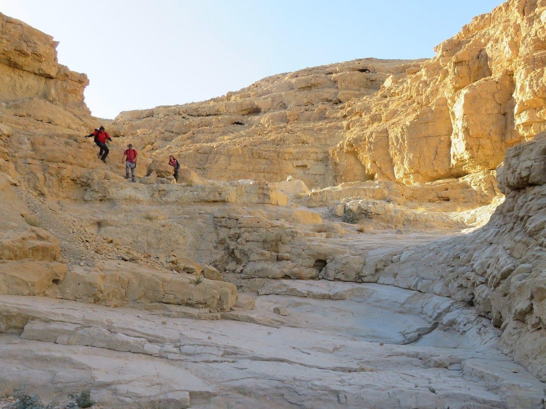 טיול סנפלינג בנחל זוהר במדבר יהודה ערוצים בטבע