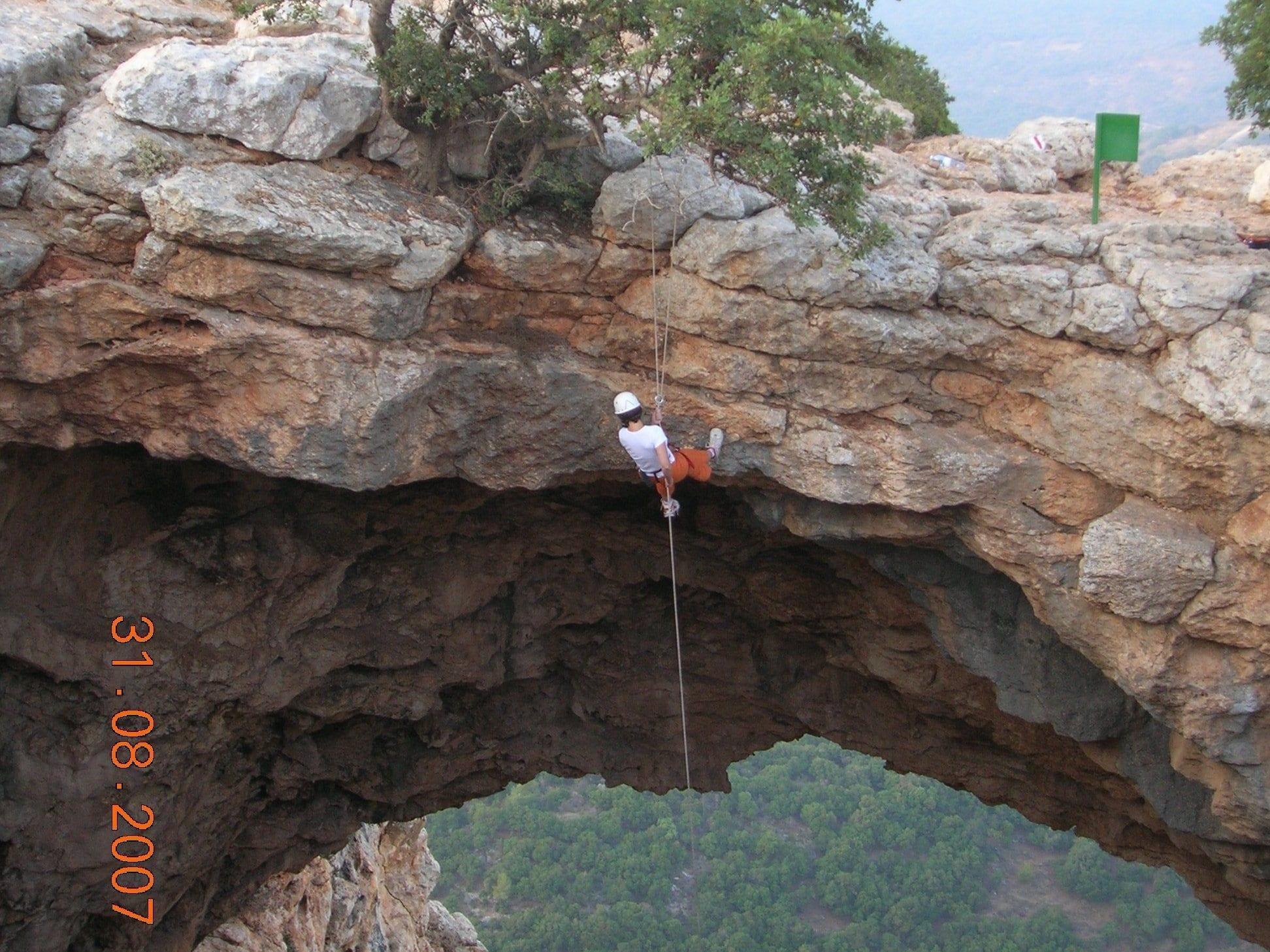 סנפלינג במערת קשת ערוצים בטבע