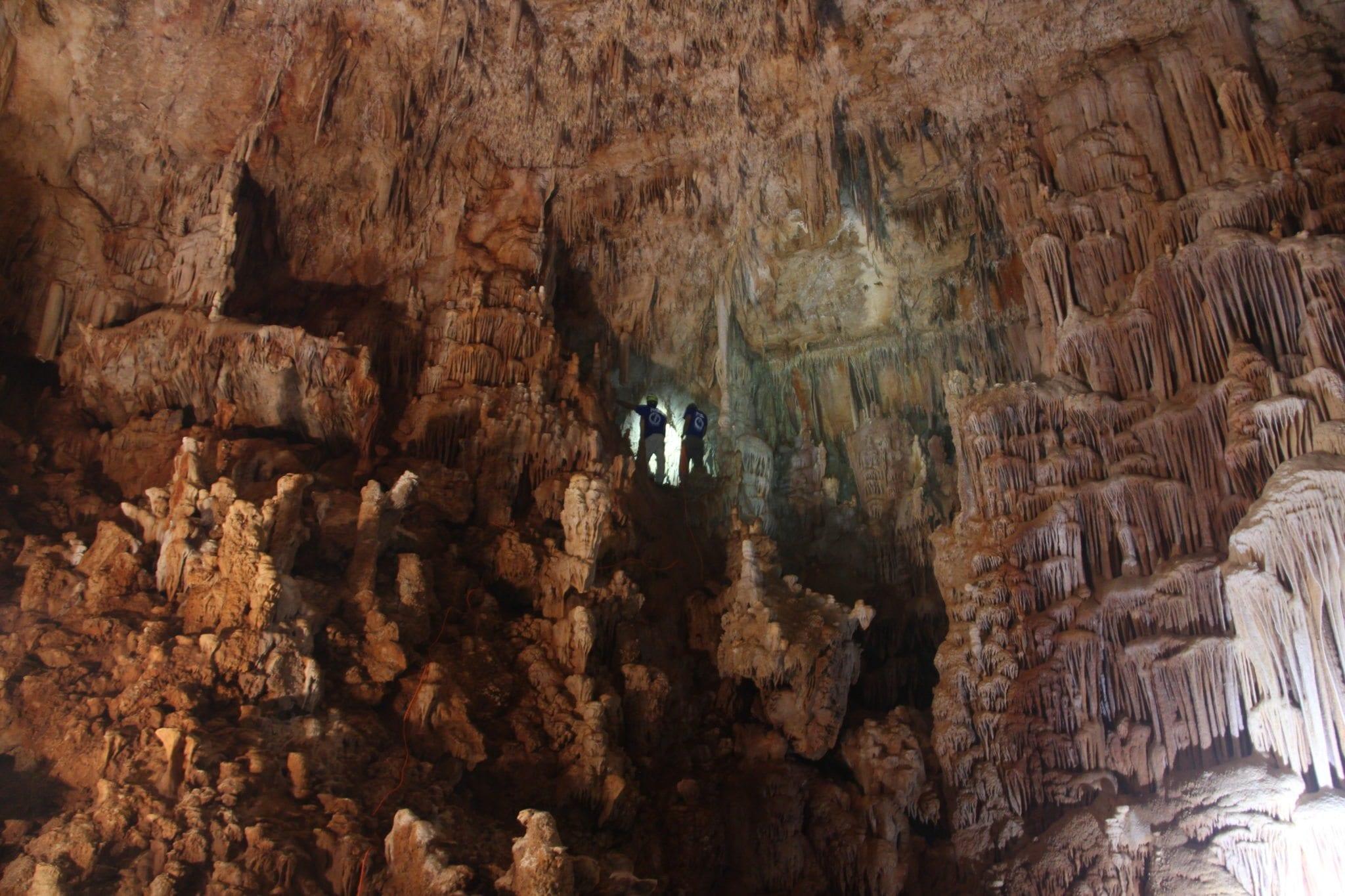 טיול מערות - סנפלינג למערת נטיפים - ערוצים בטבע