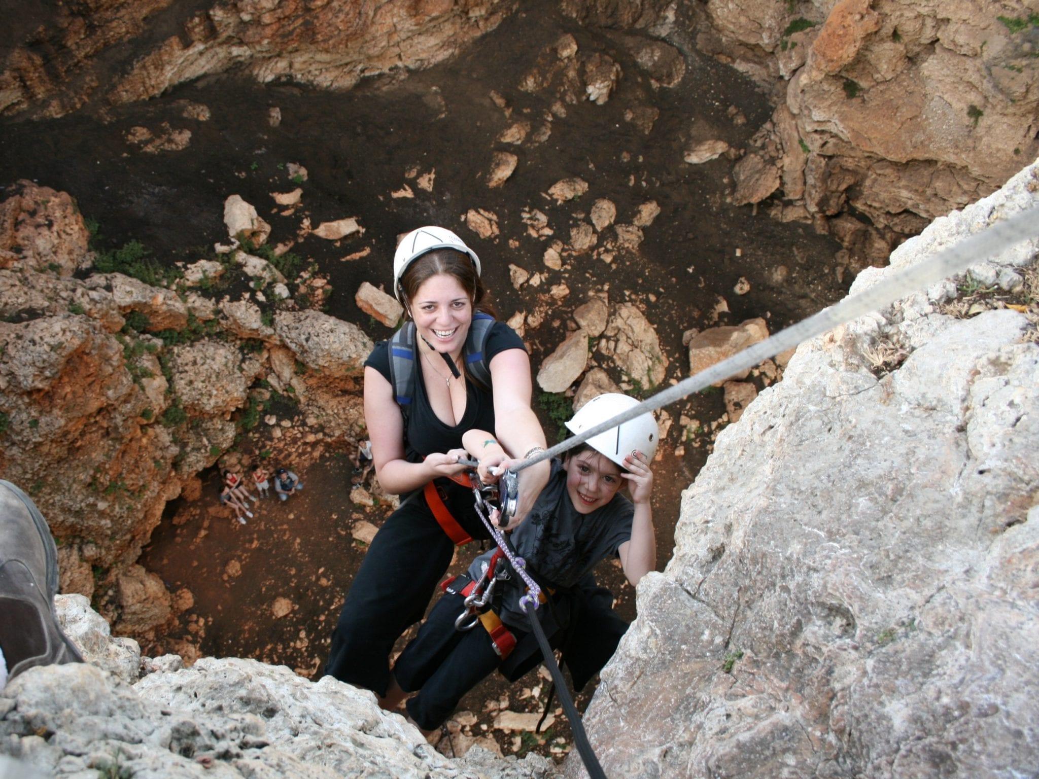 סנפלינג במערת קשת - כל אחד יכול - ערוצים בטבע