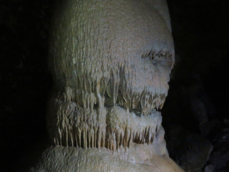 נטיפים מתחת לאדמה - סנפלינג מערות עם ערוצים בטבע