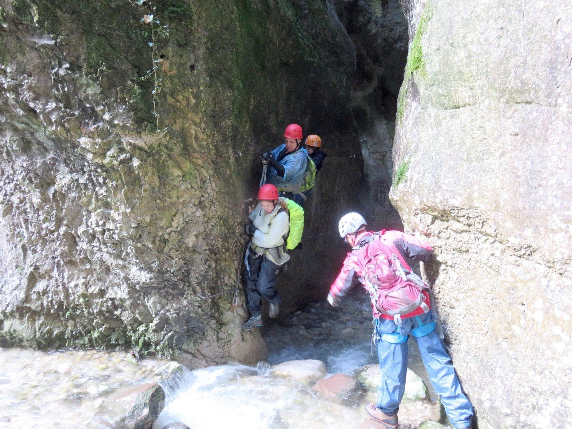 ויה פראטה Sallagoni, טיול אתגרי בצפון איטליה, ערוצים בטבע