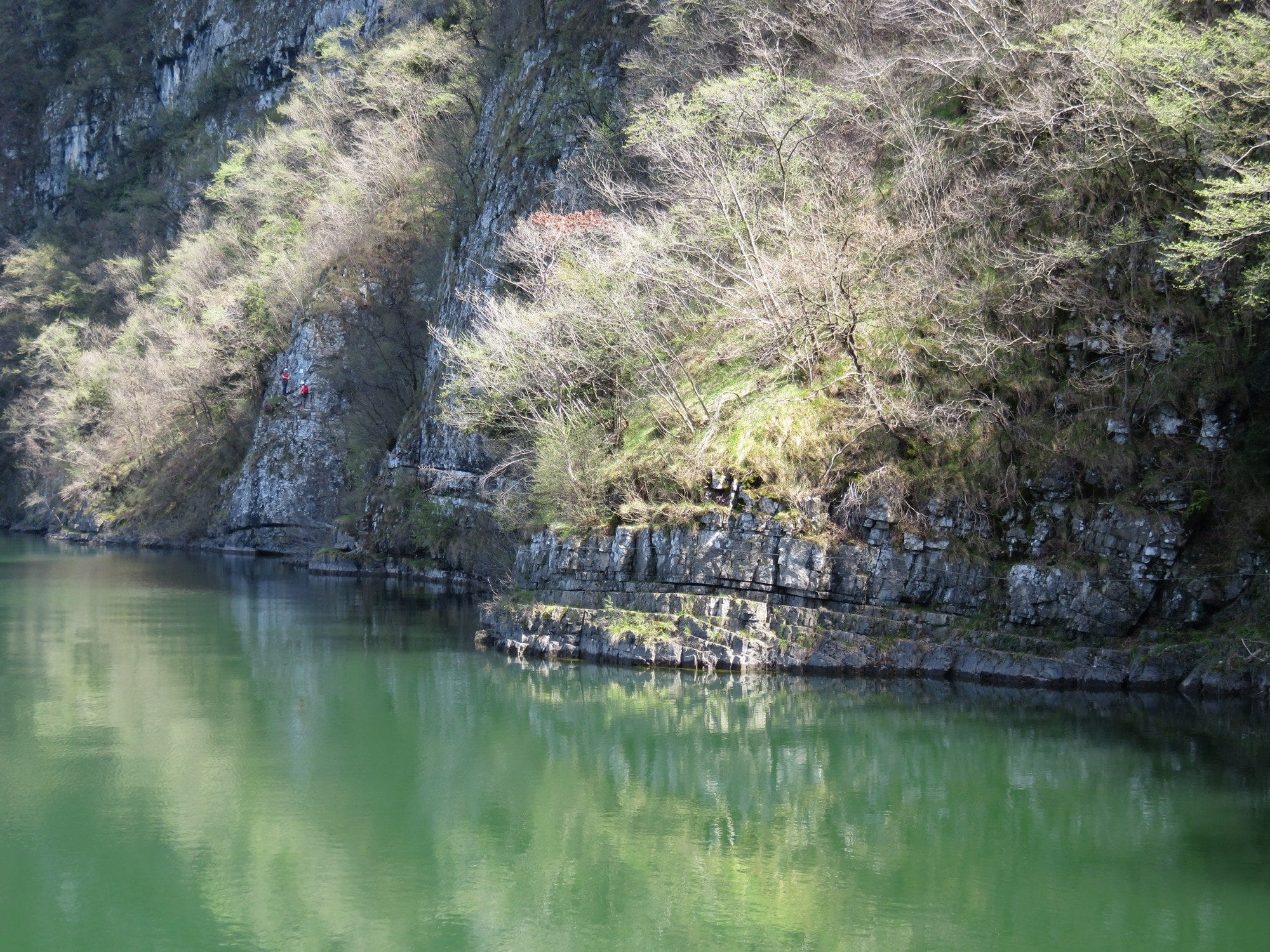 ויה פראטה Sasse - אגם אידרו, מאורגן בצפון באיטליה - ערוצים בטבע