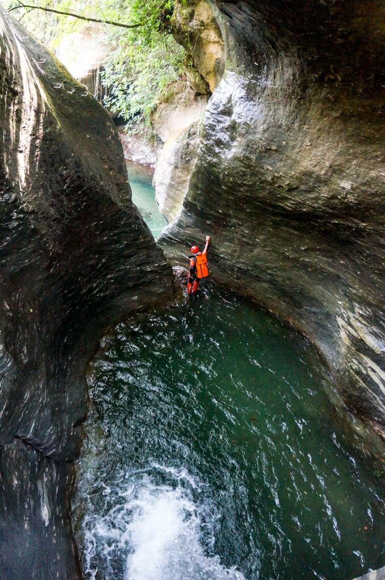 קניונינג - פליון -  טיול מאורגן ליוון - ערוצים בטבע