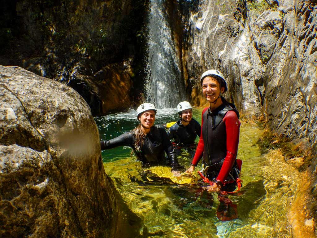 טיול בקניוני פליון - יוון - ערוצים בטבע