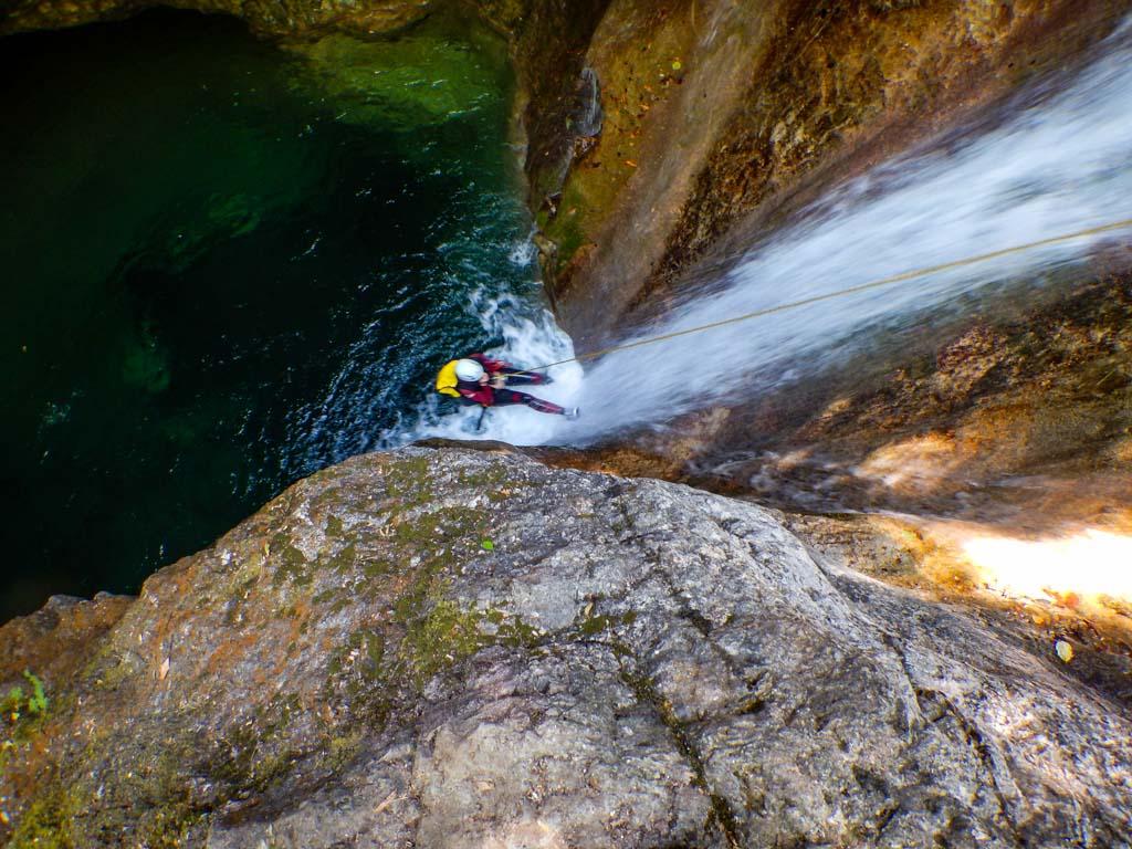טיול קניונינג פליון - יוון - ערוצים בטבע