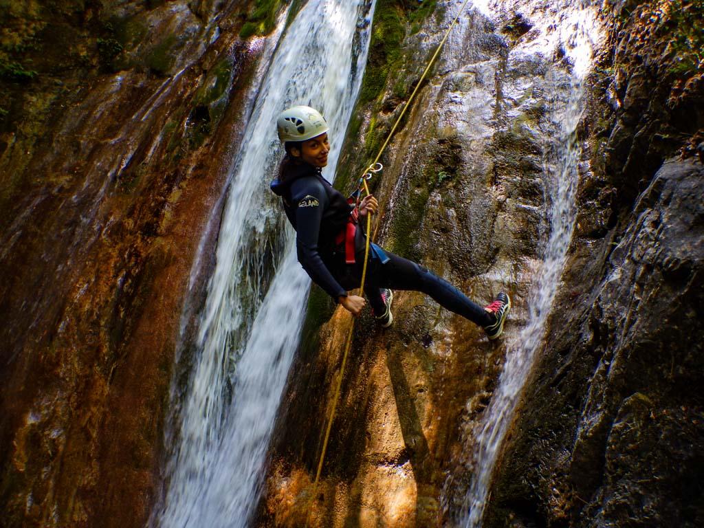 טיול קניונינג בפליון - יוון - ערוצים בטבע