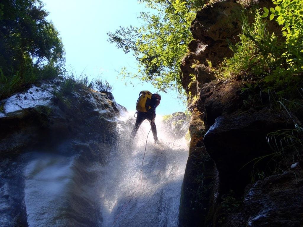 טיול סנפלינג פליון - יוון - ערוצים בטבע