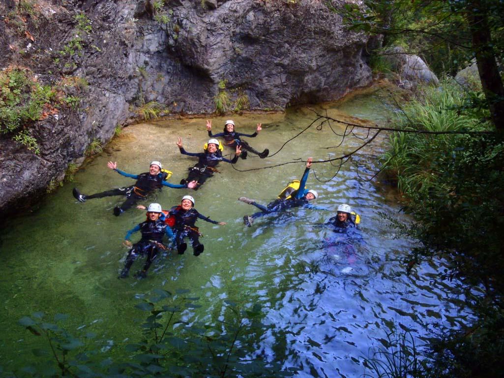 טיול קניונינג פליון יוון ערוצים בטבע