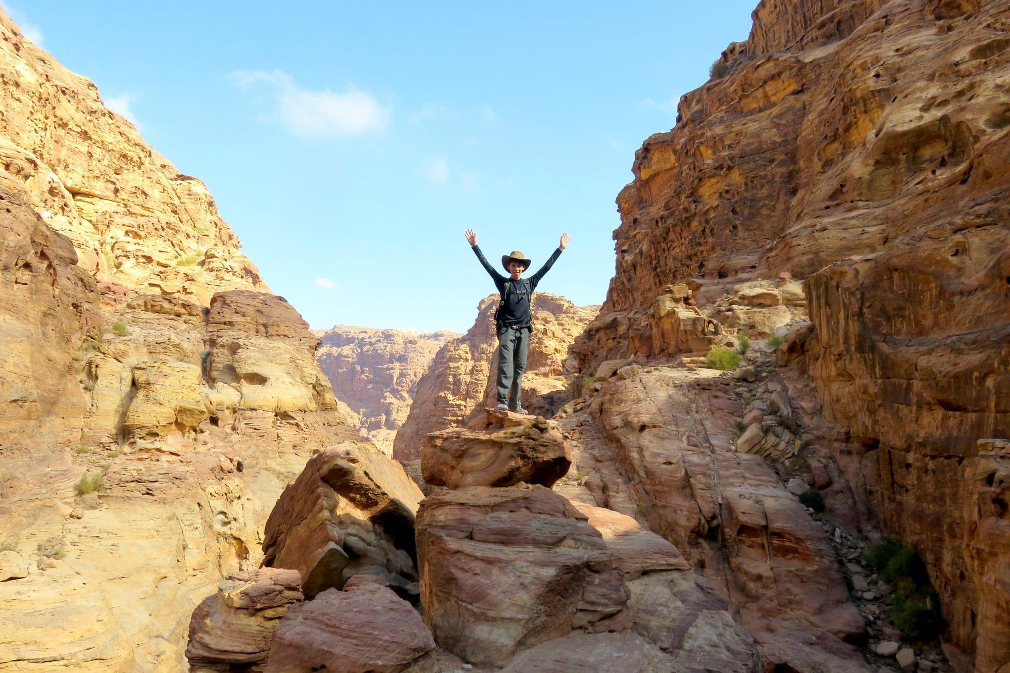 קניוני ראג'ף המדהימים – Jordan עם ערוצים בטבע