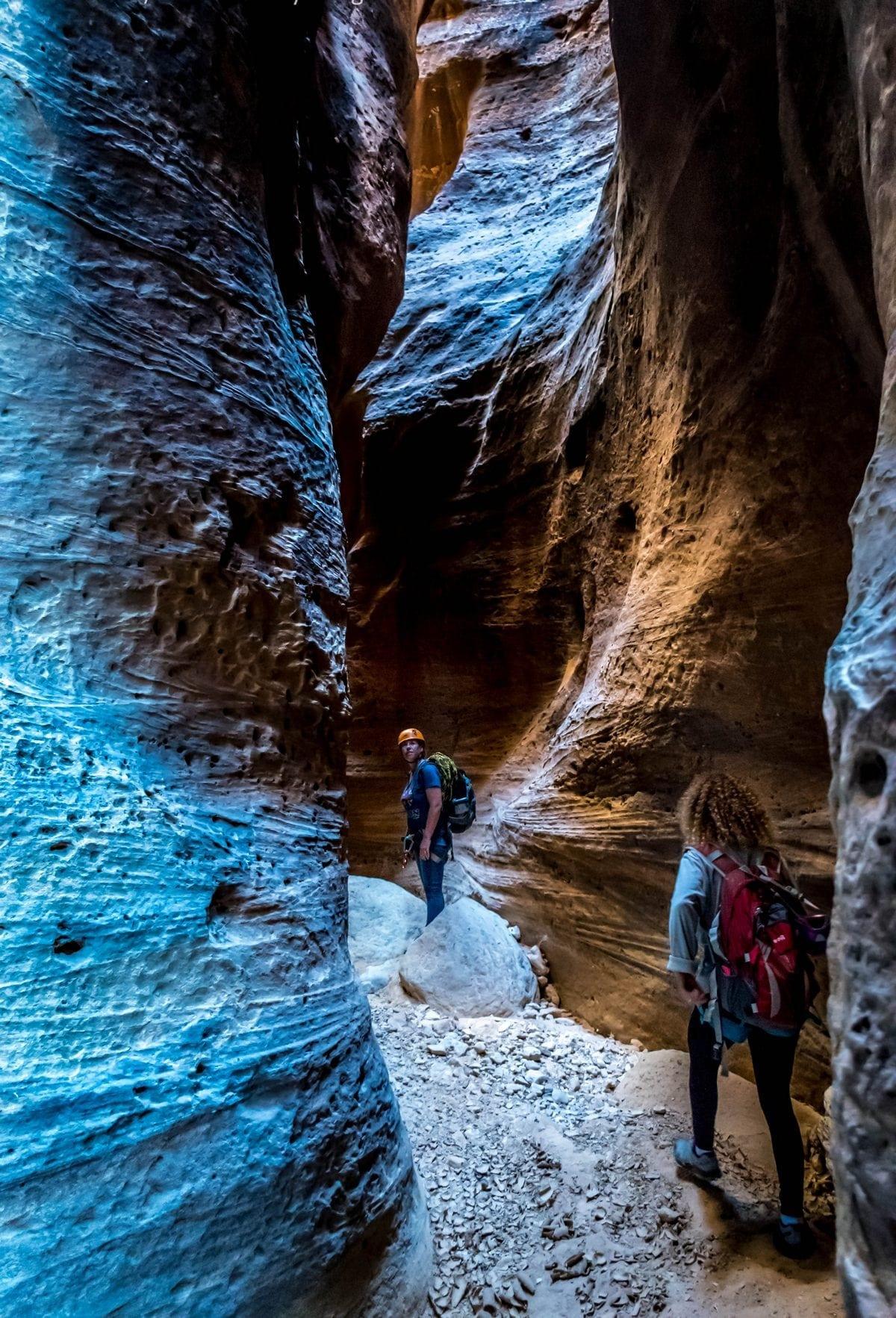 """""""וואדי גאוובה"""" - טיול סנפלינג בקניונים צרים - ירדן עם ערוצים בטבע"""