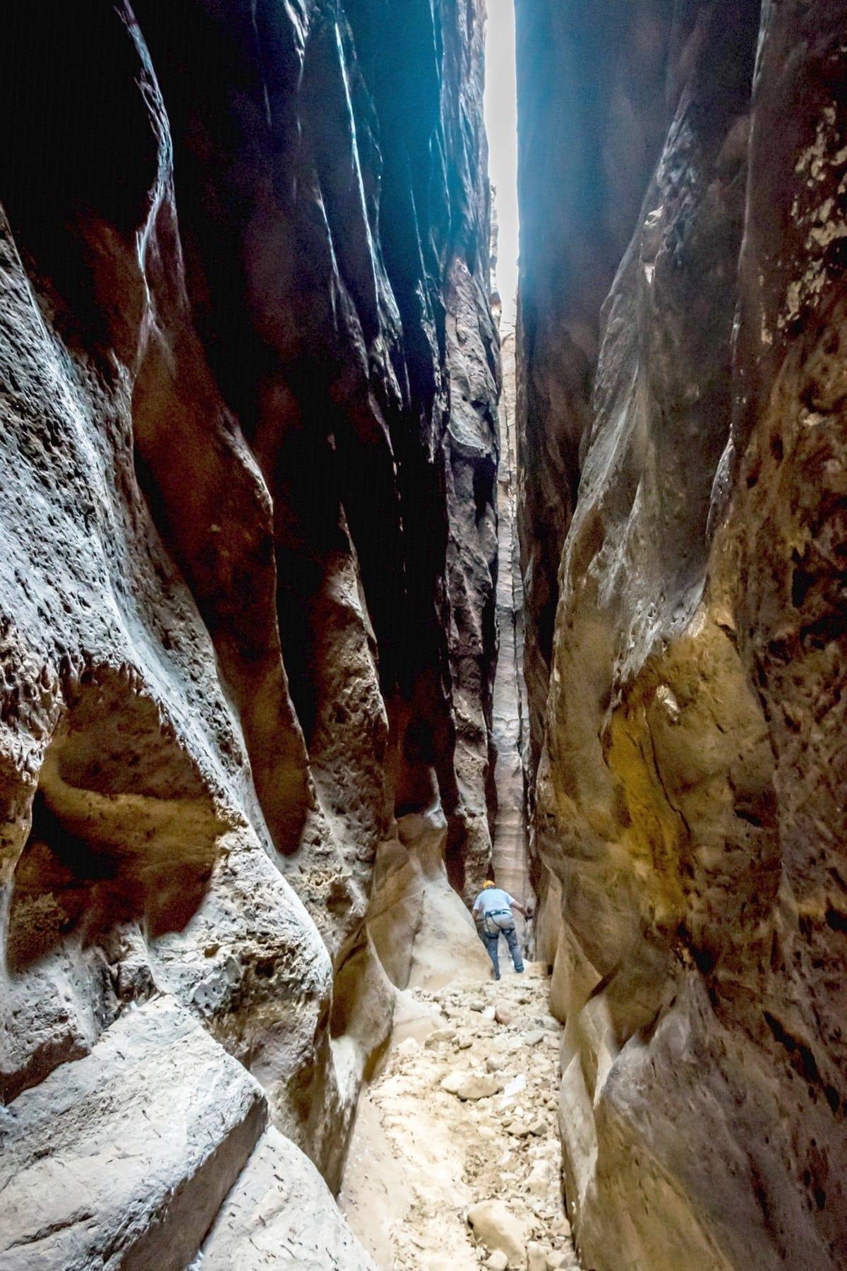 טיול סנפלינג ב- 3 קניונים מדהימים באזור ראג'ף - ירדן - ערוצים בטבע