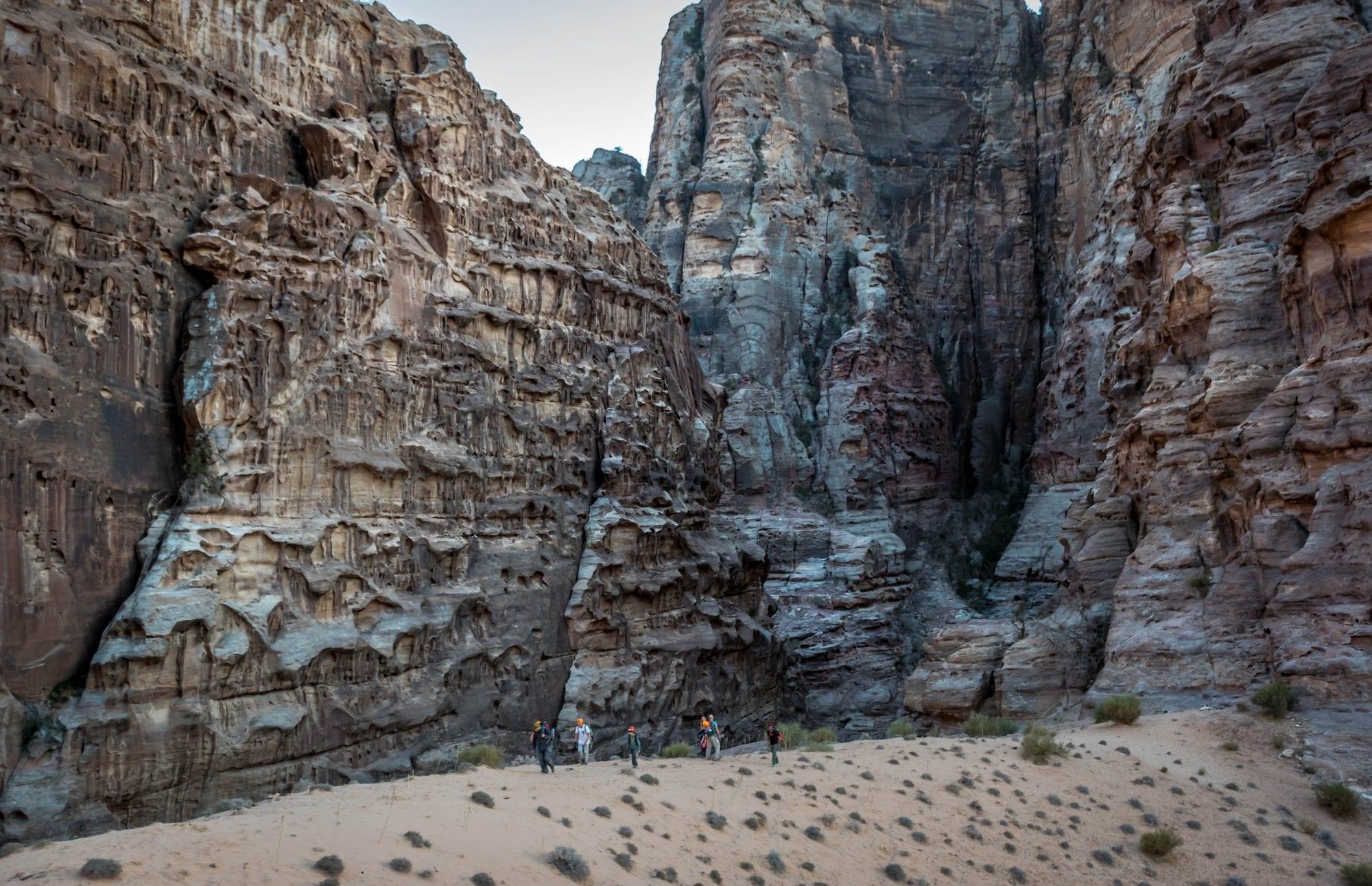הקניונים האפלים - טיול סנפלינג בירדן - ערוצים בטבע