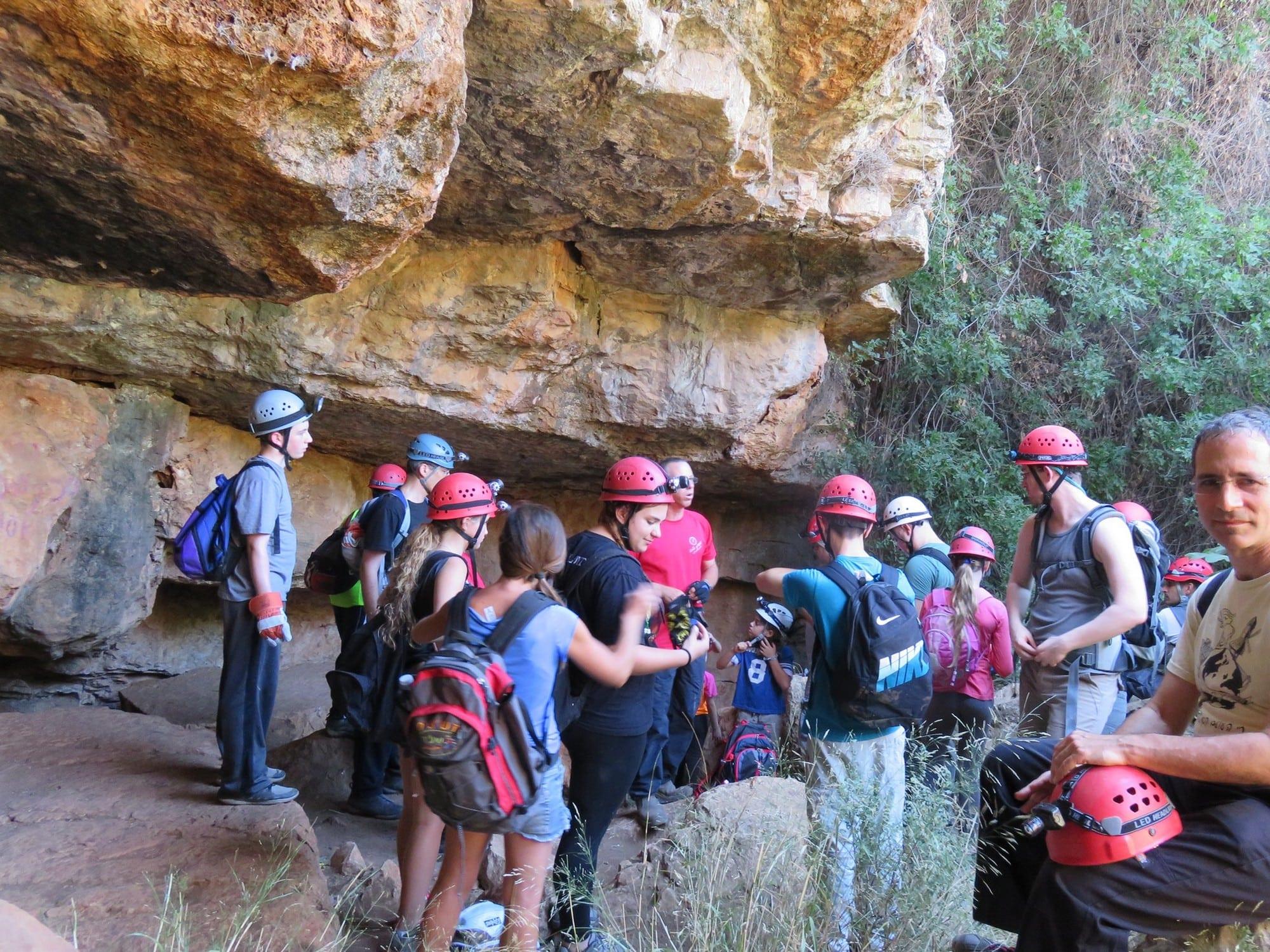 מסלול אתגרי במערת עלמה - ערוצים בטבע
