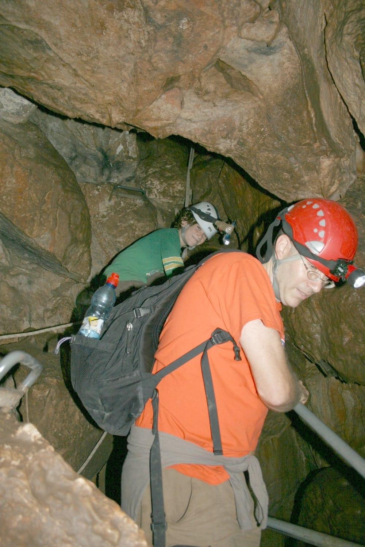 מסלול מאתגר במערת עלמה - ערוצים בטבע
