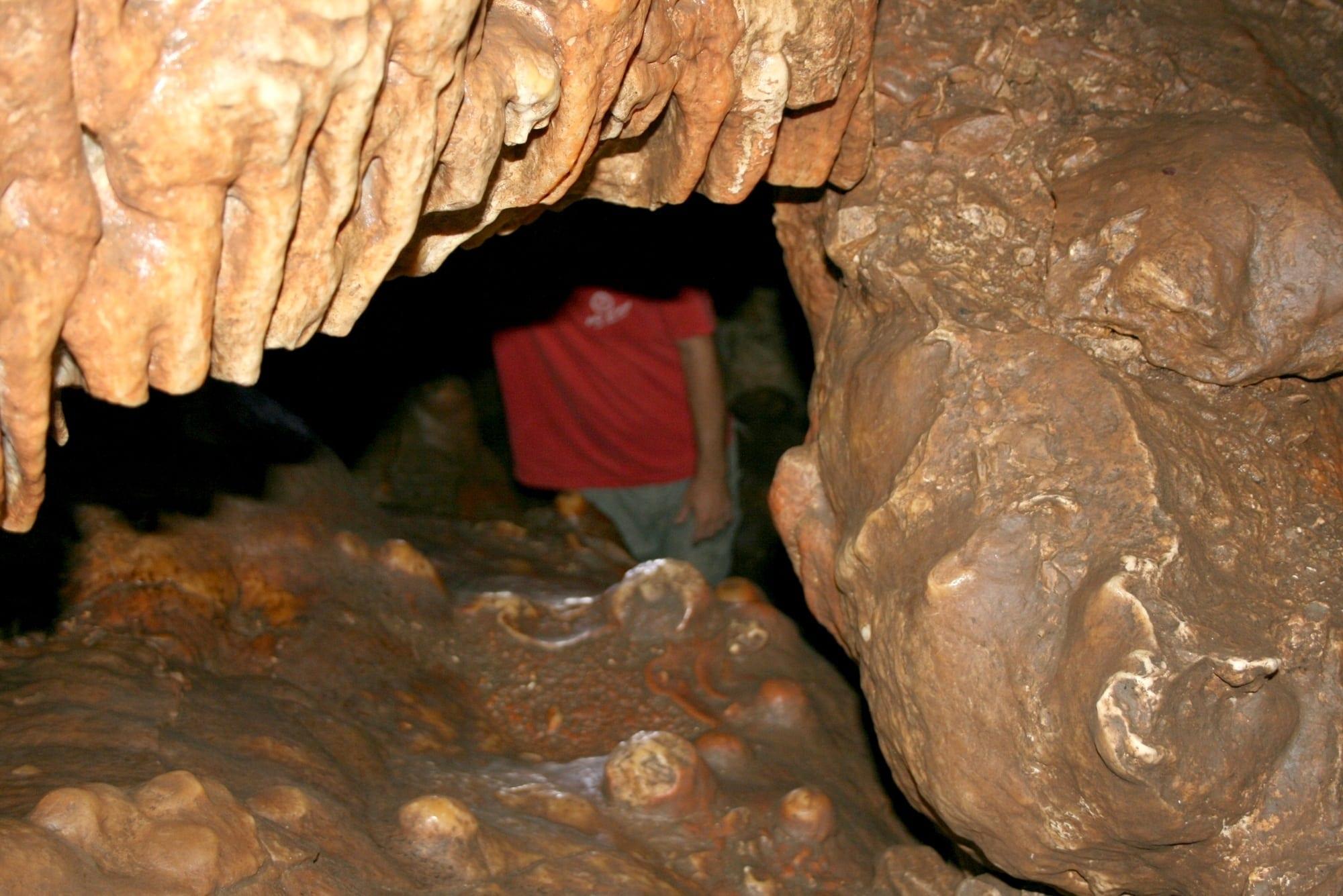 טיולי מערות עם ערוצים בטבע - מערת עלמה