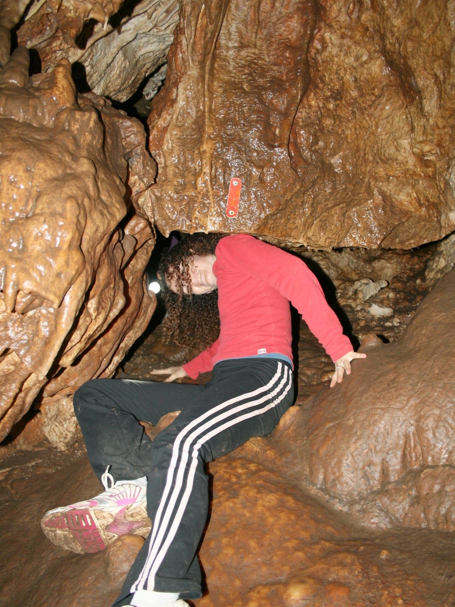 טיול משפחות במערת עלמה - ערוצים בטבע