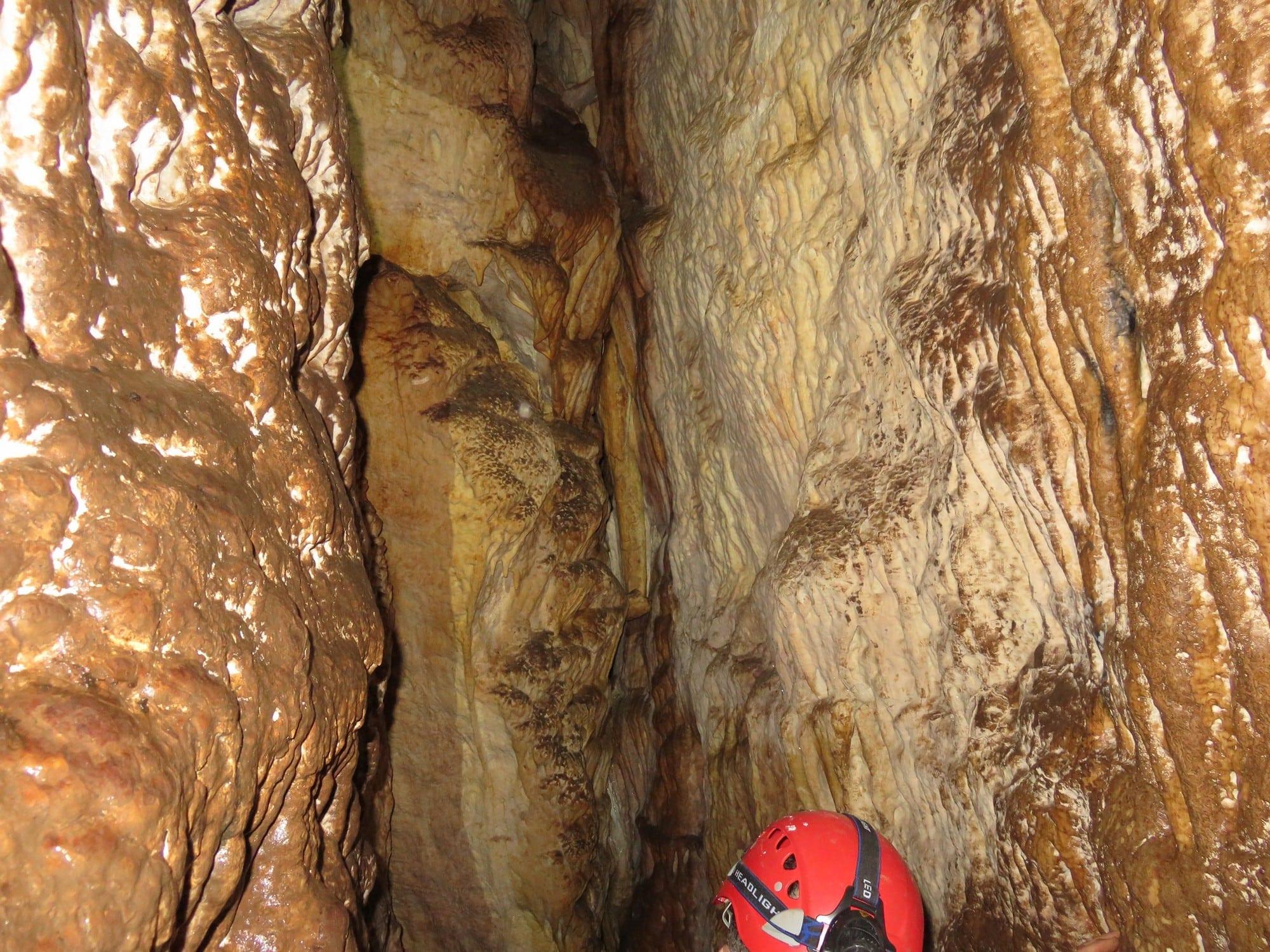 טיול במערת עלמה | ערוצים בטבע