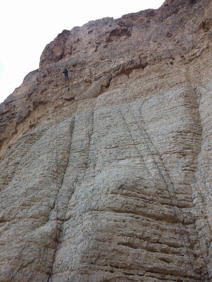 טיול סנפלינג נחל טור - מפלים גבוהים - ערוצים בטבע