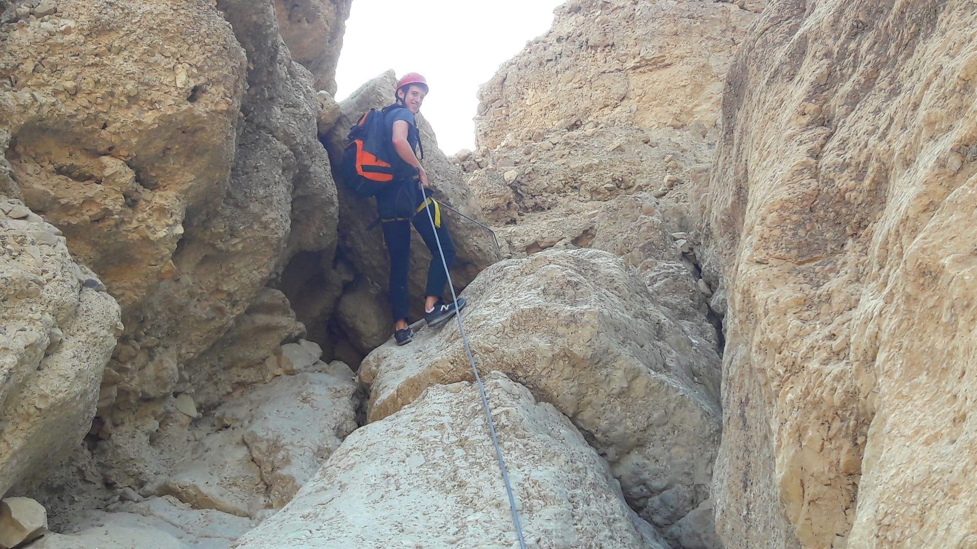 טיול סנפלינג למתחילים בנחל טור תחתון עם ערוצים בטבע