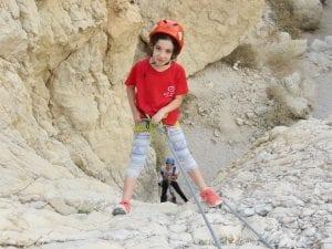 טיול סנפלינג בנחל טור תחתון לילדים - ערוצים בטבע