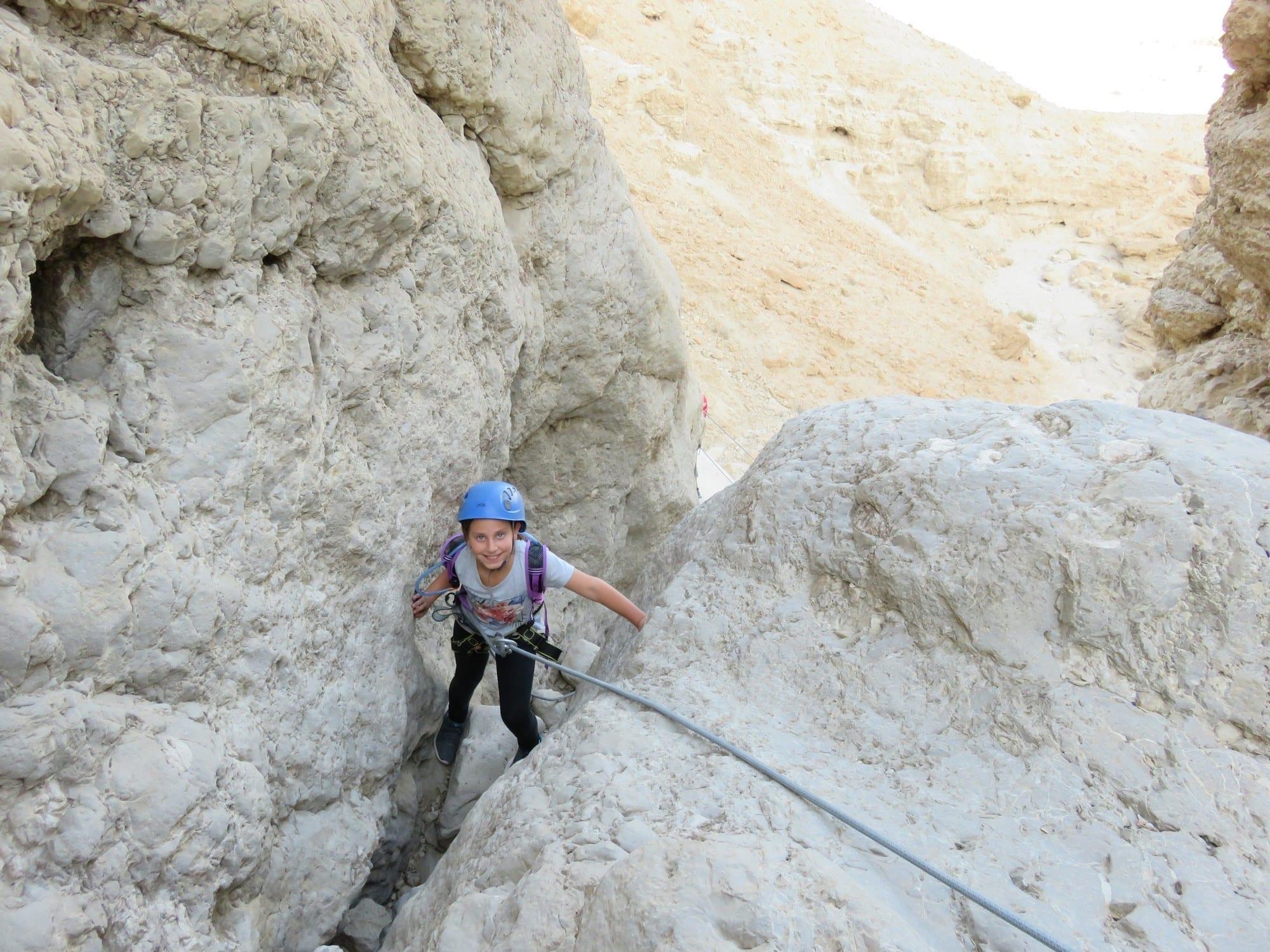 טיול סנפלינג למשפחות - נחל טור תחתון - ערוצים בטבע