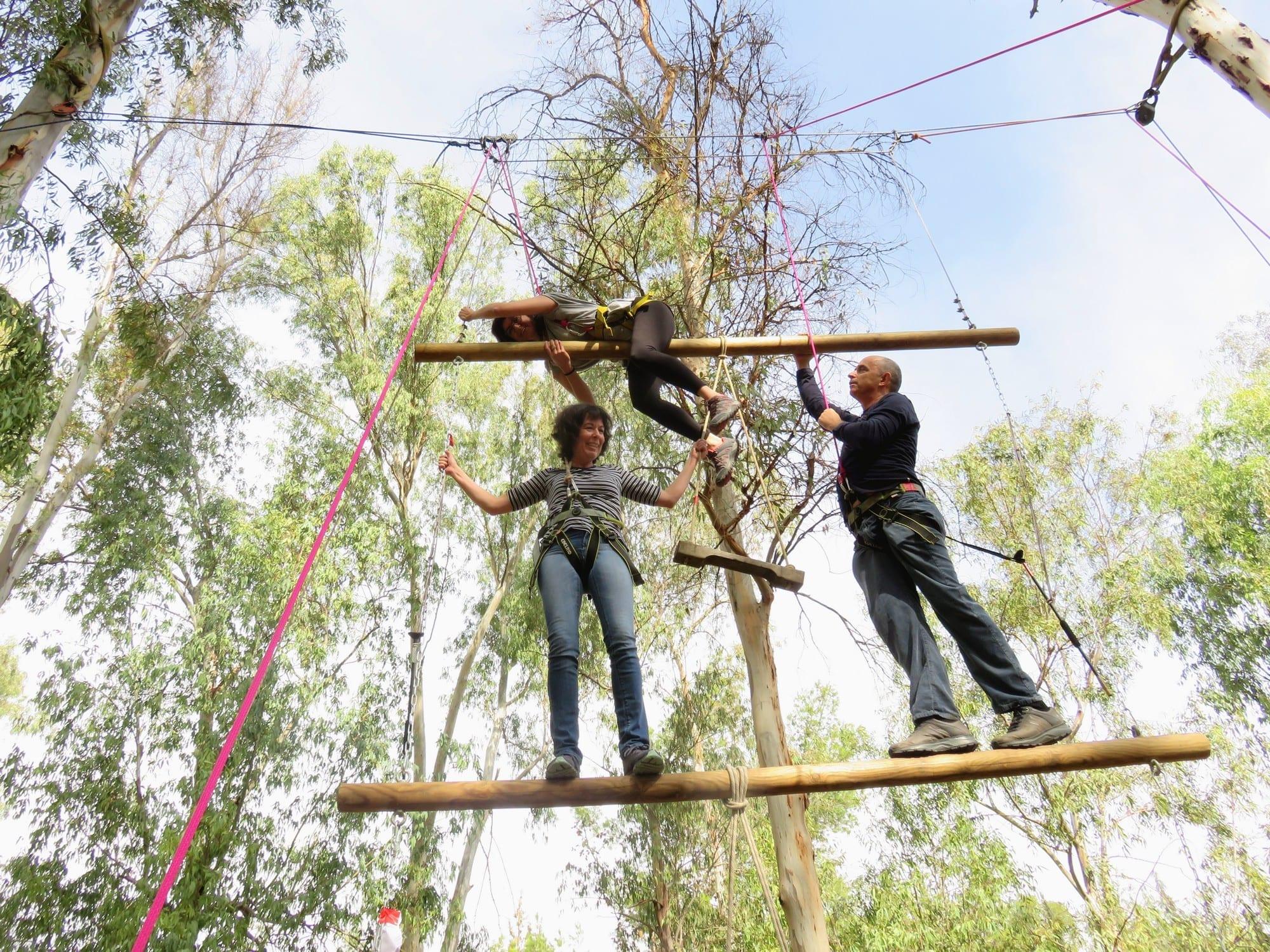 סדנאות מנהלים - משימות על חבלים - ערוצים בטבע