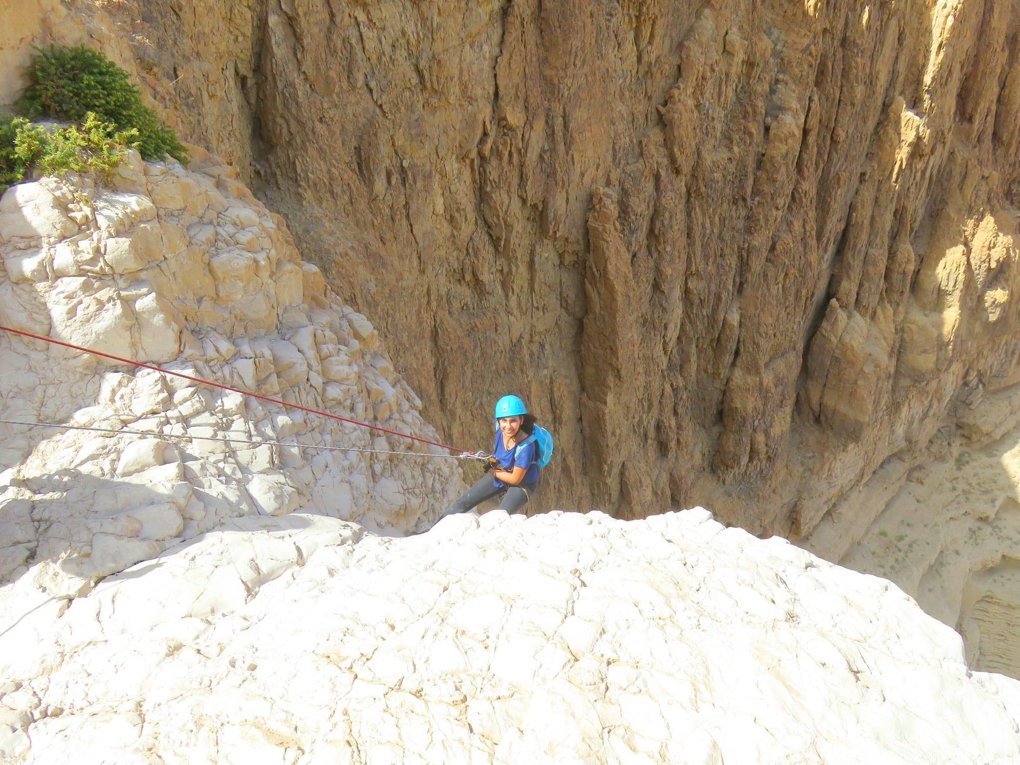 טיול סנפלינג נחל טור - מפל 85 מטרים - ערוצים בטבע